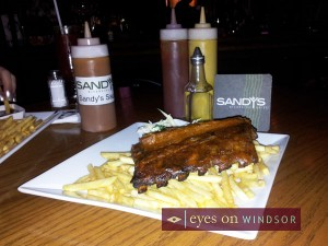 Sandy's Riverside Grill Restaurant Review