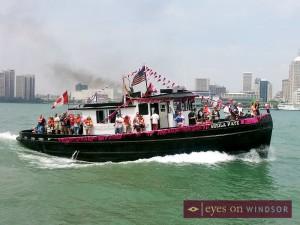 Tug Boat Races in Detroit River near Dieppe Park in Windsor