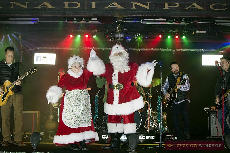 CP Holiday Train Stops in Windsor and Santa & Mrs. Claus Hop Onboard