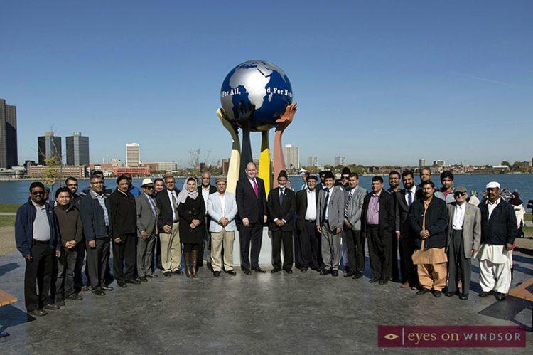 New Peace Sculpture Monument on Windsor Riverfront by Ahmadiyya Jamā'at
