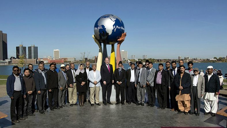 New Peace Sculpture Monument on Windsor Riverfront by Ahmadiyya Jamā'at