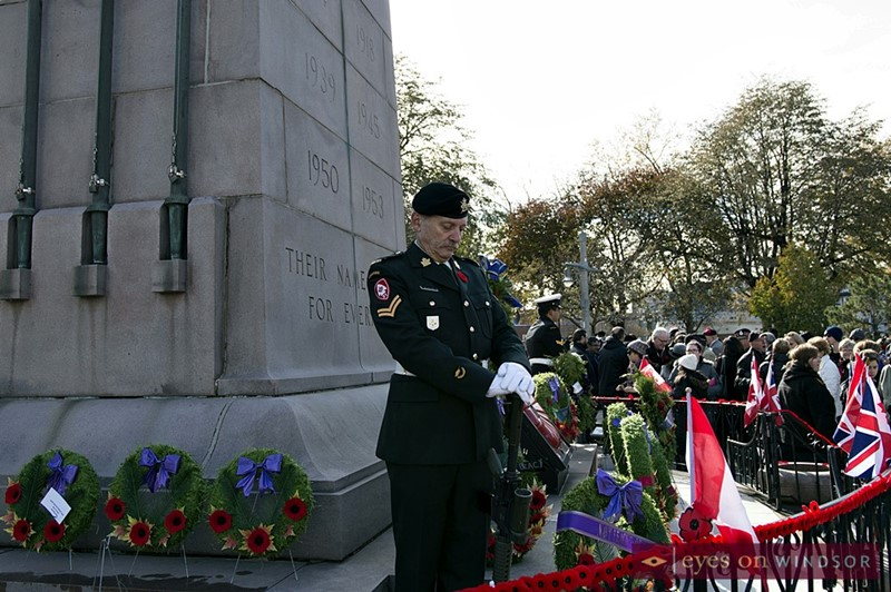 Sentry stands on guard at Windsor cenotaph.