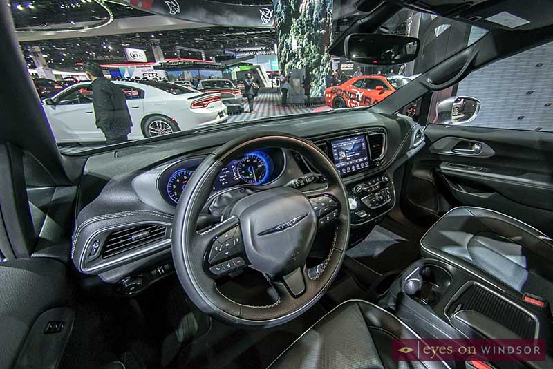 Dodge Charger Interior at NAIAS 2018