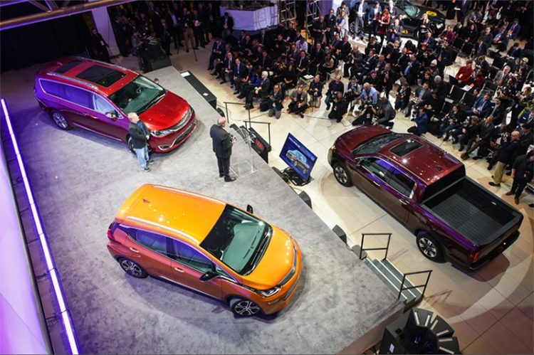 Take Transit Windsor Express Tunnel Bus Shuttles To Detroit Auto Show