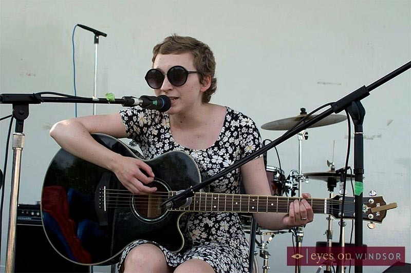 Ruby Mckinnon AKA Flower Face Performs Live Music