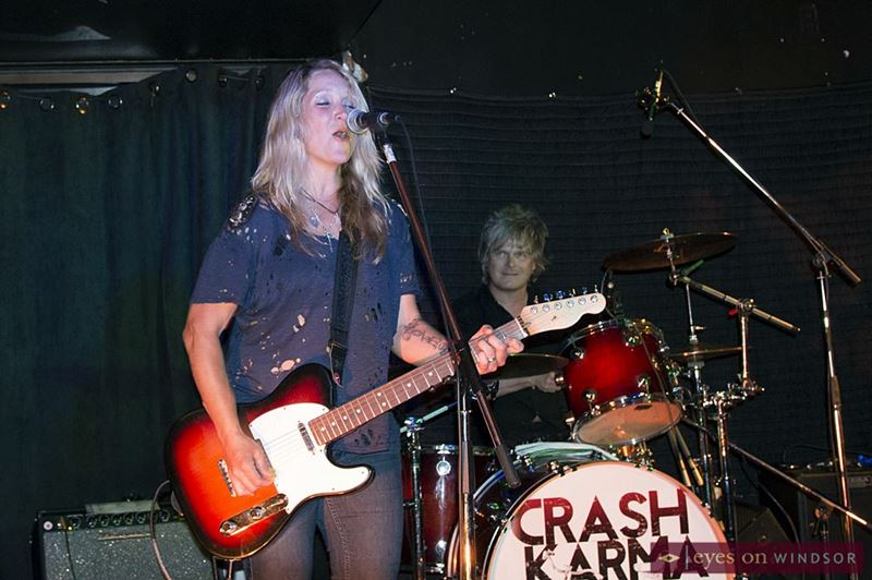 Sarah Smith performing with Jeff Burrows