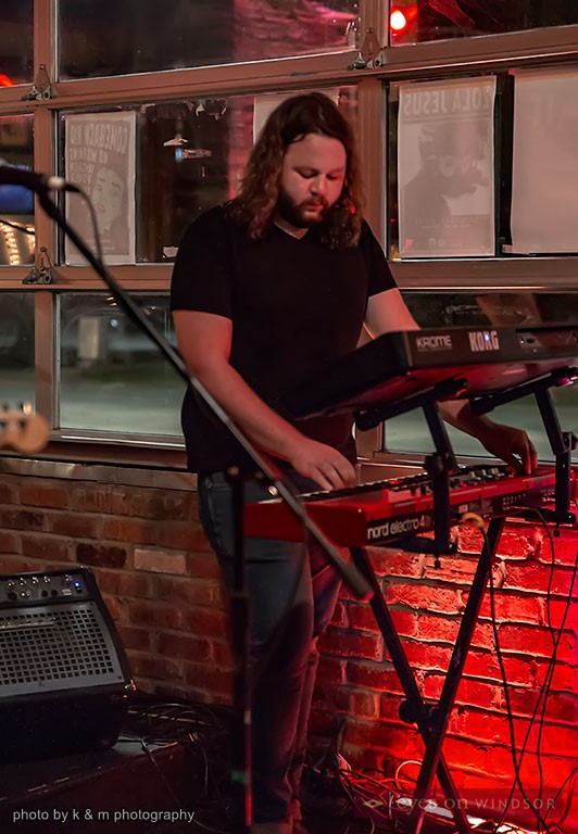 Guest keyboardist performing with Huttch at the Windsor Beer Exchange