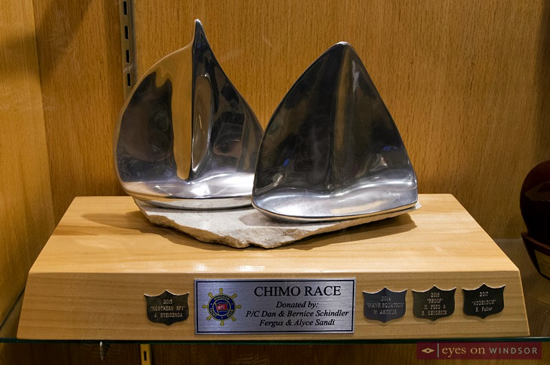 Overall International Chimo Race trophy