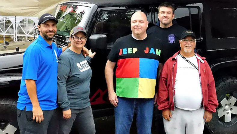 Jeep Owners Played Jeep Jam Poker In Support of Brain Injury Programs