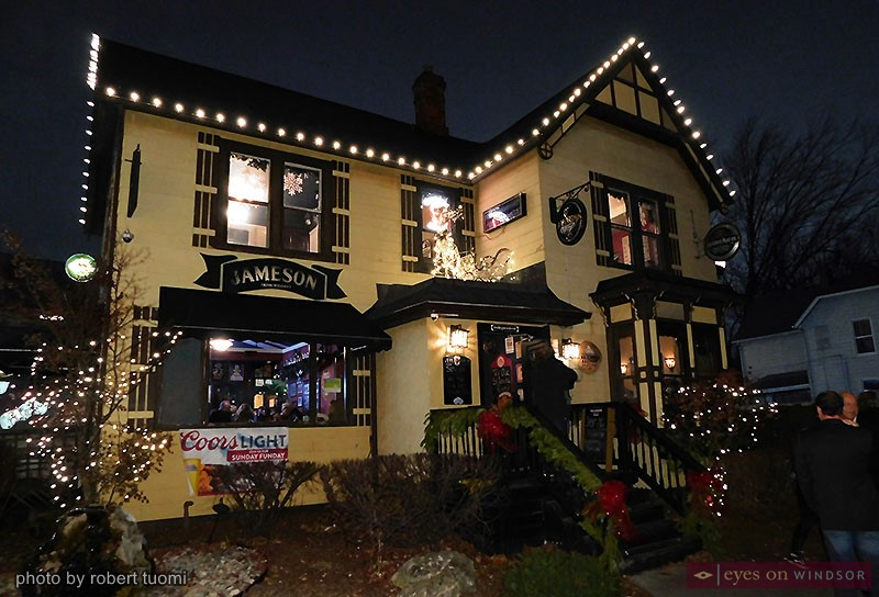 O'Maggio's Kildare House decorated for Christmas