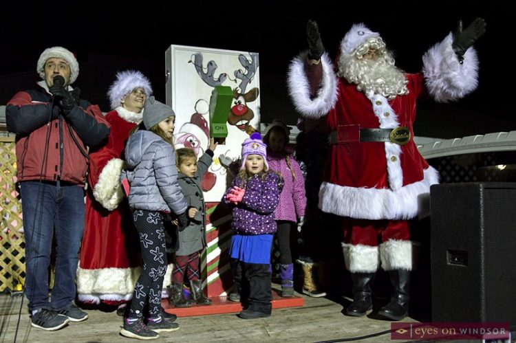 Fantasy of Lights Lit Up Lakeside Park Following Kingsville's Santa Claus Parade