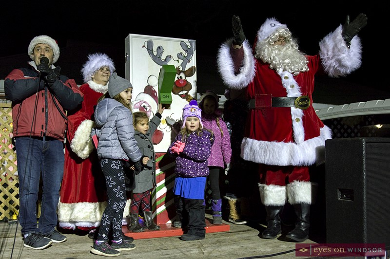 Santa flicks the switch to kick off Kingsville's Fantasy of Lights