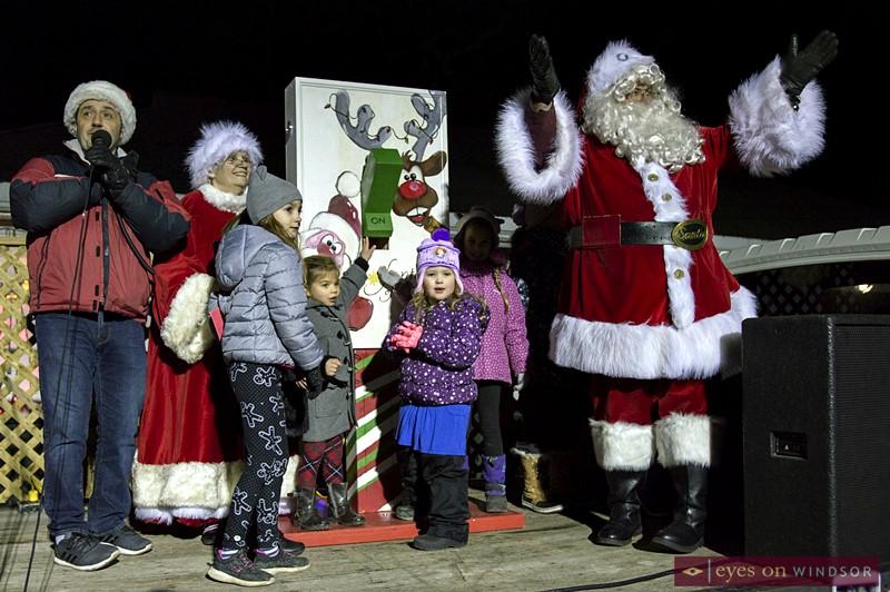 Santa flicks the switch to kick off Kingsville's Fantasy of Lights