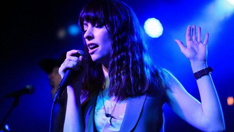 Detroit Fans Dig Into Sister Sparrow's Soul & Strike Gold Gold Gold