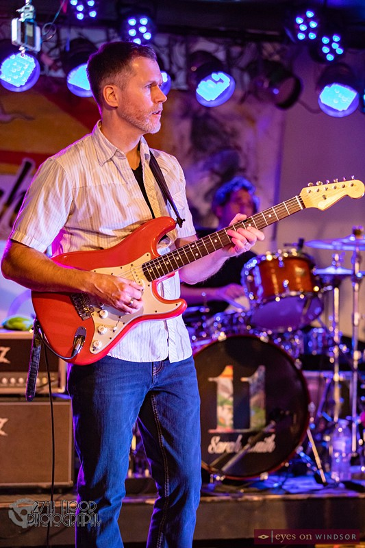 Sarah Smith Band member Guy Miskelly (guitar)