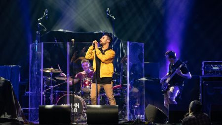 Review: Autumn Kings Rock Hometown Concert Until The Lights Go Out