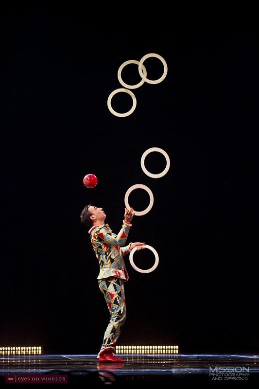 Corteo Cirque du Soleil Juggler