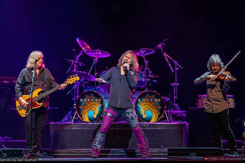 Kansas performing at Caesars Windsor