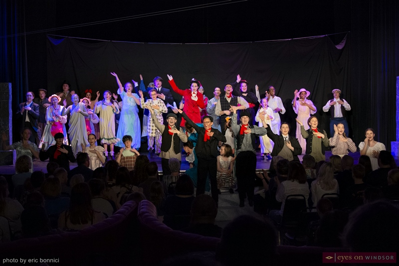 Riverfront Theatre Company cast of Mary Poppins takes a final bow.