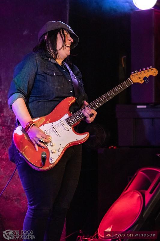 Laura Chavez guitarist