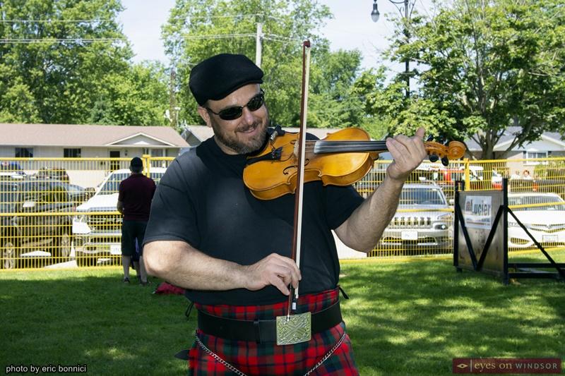 Fiddler Todd Porter