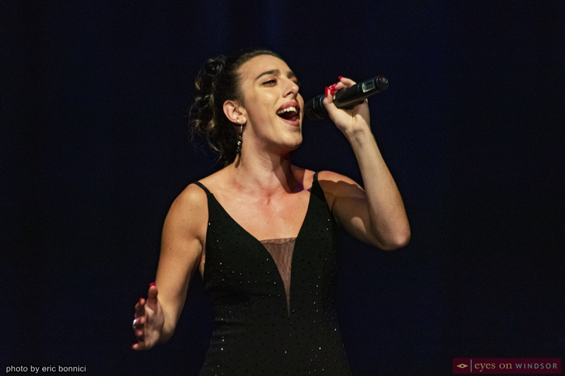 Christina Apollonio singing