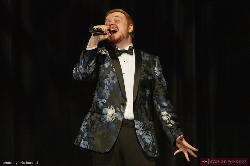 Robbie Agnew singing