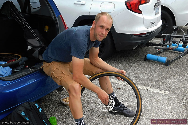 Mike Brouwer preparing for the Tour di Via Italia bicycle races