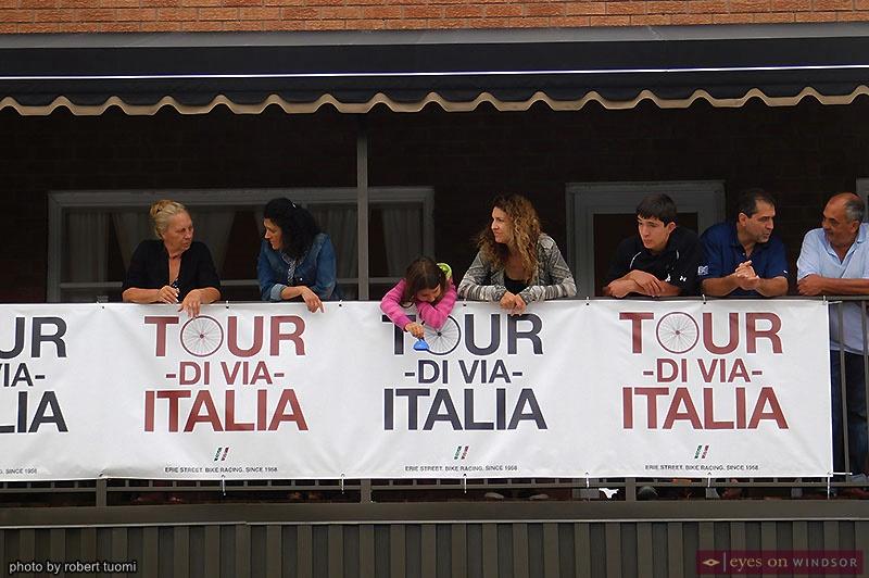 Tour di Via Italia Spectators