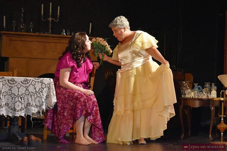Review: Glass Menagerie Soars With Humanity, A Hit for Korda