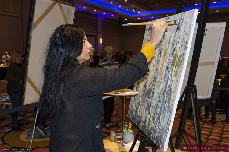 """Artilicious Windsor's Live Art Demo """"Easel-y"""" Biggest Crowd-Pleaser of The Night"""