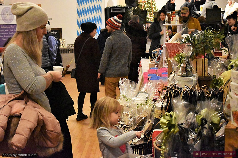 People shopping at the Christkindl Markt at the Heimat Windsor Banquet Centre