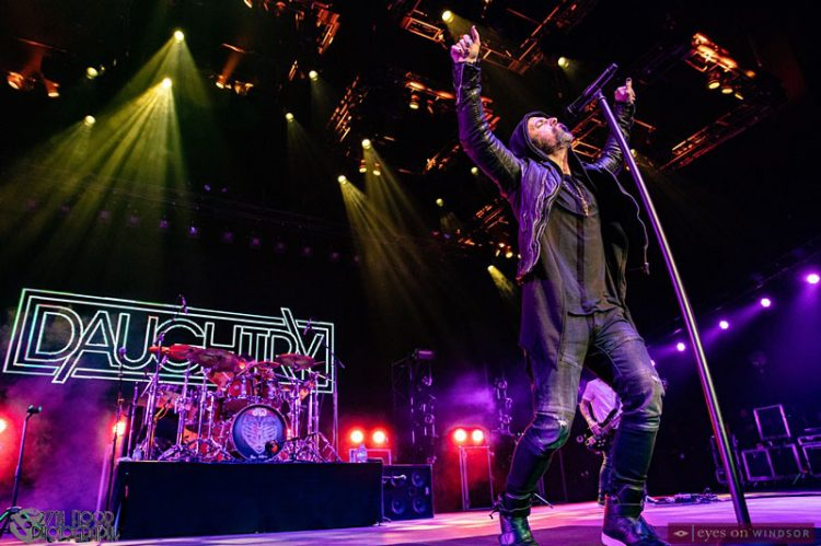 Daughtry Delivers High Energy Cage Rattling Anthems To The Colosseum