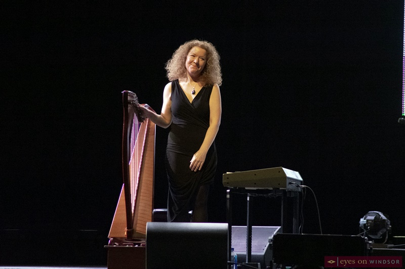 Triona Marshall on Harp with The Chieftains