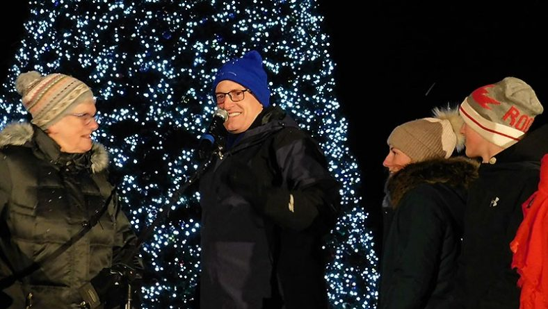 Bright Lights Windsor Opened Biggest and Shiniest Holiday Display Yet