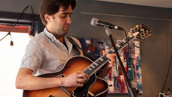 Chicago singer-songwriter, Andy Pratt performing at Phog Lounge in Windsor, Ontario