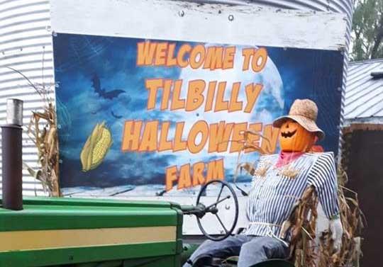 Tilbilly Halloween Village and Farm
