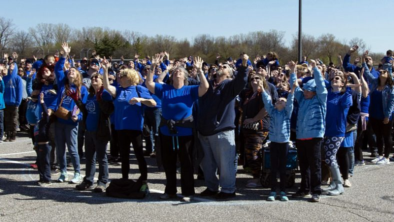 Largest Human Puzzle Piece For Autism Awareness Breaks Record