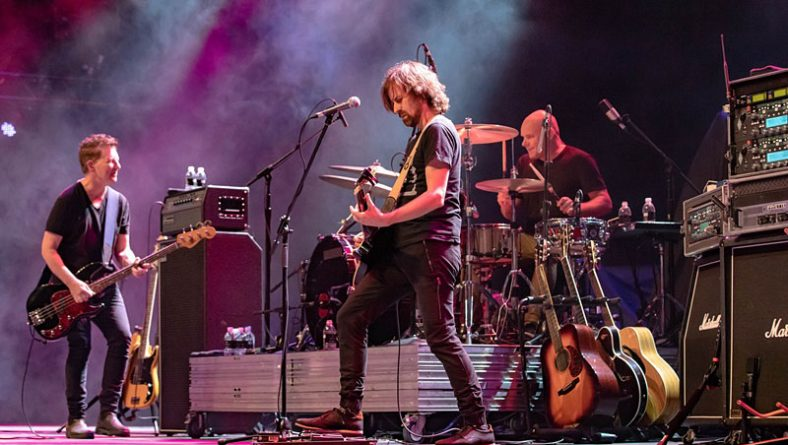 Review: Iconic Canadian Bands Moist and Big Sugar Rocked Caesars Windsor