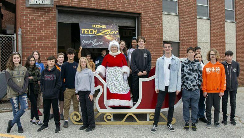 New Sleigh Revealed For Windsor Parade Corp. Santa Claus Parades