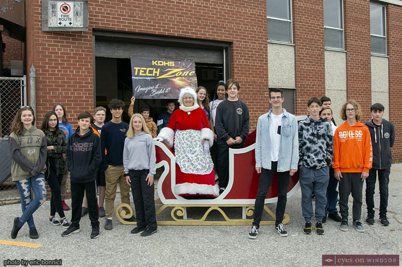 New Santa Claus Sleigh built by Kingsville District High School students