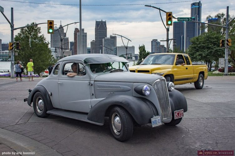 Ouellette Car Cruise Rocks Windsor with Record Participants Amid Pandemic