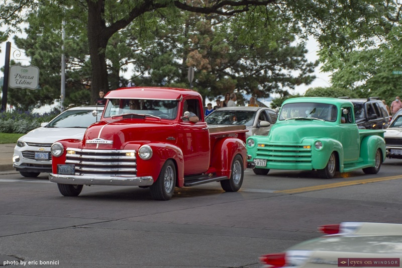 Vintage Vehicles on Riverside Drive